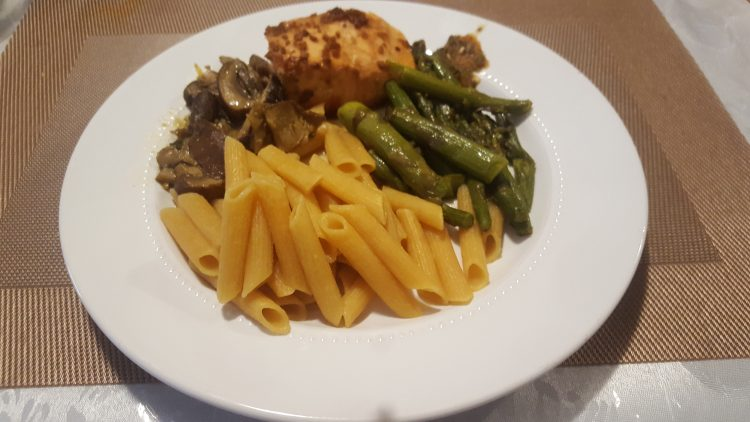 How to cook Asparagus with Shitake, Salmon and Red Lentil Pasta